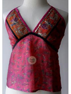 T52:2nd hand top เสื้อสายเดี่ยวสีชมพูปักเลื่อม (Made in NEPAL)