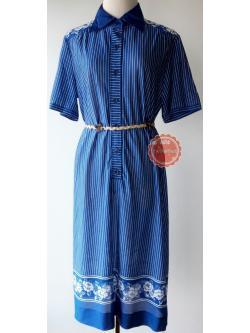 D51:Vintage dress เดรสวินเทจผ้าซีฟองสีน้ำเงินสว่าง ตัดด้วยลายดอกไม้สีขาว