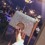 [ พร้อมส่ง ] - กระเป๋าคลัทช์ สะพาย สีเรนโบว์ หนังน้ำตาลเท่ๆ ดีไซน์สวยหรู ฟรุ้งฟริ้ง วิ้งค์ๆทั้งใบ ขนาดกระทัดรัด งานสวยมากๆค่ะ