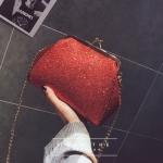 [ Pre-Order ] - กระเป๋าคลัทช์ สะพาย สีแดง ดีไซน์สวยหรู ฟรุ้งฟริ้ง วิ้งค์ๆทั้งใบ ขนาดกระทัดรัด งานสวยมากๆค่ะ