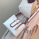 [ Pre-Order Hi-End ] - กระเป๋าถือ/สะพาย สีขาวขอบน้ำตาล ดีไซน์สวยเรียบหรู ดูดี งานหนังคุณภาพดีเยี่ยม พร้อมสายสะพายสุดเก๋อย่างดี