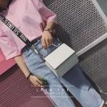 [ Pre-Order Hi-End ] - กระเป๋าแฟชั่น ถือ/สะพาย สีขาวสุดเก๋ ขนาดกระทัดรัด สไตล์ดาราเกาหลี ดีไซน์สวยเก๋ ดูดี งานหนังคุณภาพ