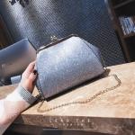 [ Pre-Order ] - กระเป๋าคลัทช์ สะพาย สีเงิน ดีไซน์สวยหรู ฟรุ้งฟริ้ง วิ้งค์ๆทั้งใบ ขนาดกระทัดรัด งานสวยมากๆค่ะ