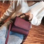 [ พร้อมส่ง ] - กระเป๋าถือ/สะพาย สีม่วงเข้ม ขนาดกระทัดรัด ดีไซน์สวยเรียบหรู ดูดี งานหนังแบบด้าน คุณภาพดีค่ะ