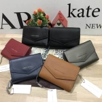 CHARLES & KEITH SMALL ENVELOPE WALLET (มีถุงผ้าแบรนด์)