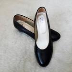 Popteen รองเท้าคัชชูหนังแก้วผู้หญิง วัยผู้ใหญ่ สีดำ Size 39-45