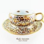 ของที่ระลึก แก้วกาแฟเบญจรงค์ หูกรรไกร ลวดลายดอกไม้ โทนสีขาว ลายเนื้อนูนเคลือบผิวเงา สินค้าพร้อมส่ง (ราคาไม่รวมกล่อง)