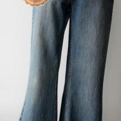 P13:Vintage jeans กางเกงยีนส์วินเทจ ขาม้า เจาะเป็นลายดอกไม้