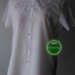 ขายแล้วค่ะ T95:Vintage top เสื้อวินเทจคอจีน ผ้าสีชมพู ปักลายดอกไม้&#x2764