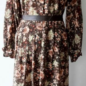 ขายแล้วค่ะ D25:Vintage dress เดรสวินเทจแขนยาว คอตั้งระบายแนววิคทอเรียน ลายดอกไม้สวย&#x2764