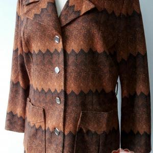 T57:Vintage top เสื้อสูทวินเทจสีน้ำตาลลายกราฟฟิคเล่นโทนสีสวย