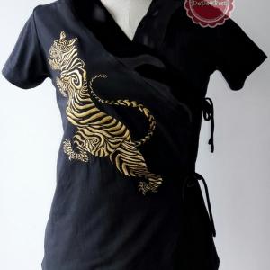 T43:2nd hand top เสื้อสีดำปักลายเสือสีทอง