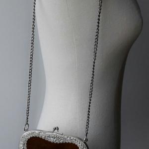 B8:Vintage leather bag กระเป๋าหนังกลับสีน้ำตาลเข้ม โลหะขอบปากกระเป๋าลวดลายสวยงามมาก