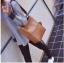 [ พร้อมส่ง ] - กระเป๋าสะพายไหล่แฟชั่น สีน้ำตาลเรโท ทรงถัง + กระเป๋าใบเล็ก 1 ใบ ดีไซน์สวยเรียบหรู ดูดี งานหนังคุณภาพดี พร้อมสายสะพายสุดเก๋ thumbnail 10