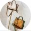 [ พร้อมส่ง ] - กระเป๋าถือ/สะพาย สีทูโทนขาวน้ำตาล ใบเล็กกระทัดรัด ตกแต่งโลโก้ F เก๋ๆ ดีไซน์สวยเรียบหรู ดูดี งานหนังคุณภาพดี สำเนา thumbnail 5