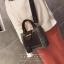 [ พร้อมส่ง ] - กระเป๋าถือ/สะพาย สีดำคลาสสิค ลายสก็อต ขนาดกลางๆ ดีไซน์สวยเก๋เท่ๆ ดูดี ไม่ซ้ำใคร มีกระเป๋าลูก 1 ใบ thumbnail 10