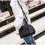 [ พร้อมส่ง ] - กระเป๋าถือ/สะพาย สีดำ ดีไซน์สวยหรู ฟรุ้งฟริ้ง วิ้งค์ๆทั้งใบ ใบกลางๆ ห้อยดาว งานสวยมาก thumbnail 8