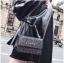 [ พร้อมส่ง ] - กระเป๋าแฟชั่น คลัทช์/สะพาย สีดำรุ้งวิ้งค์ๆ ทรงกล่องสี่เหลี่ยม ขนาดกระทัดรัด ดีไซน์สวยเรียบหรู ดูดี งานสวยค่ะ thumbnail 19