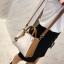 [ พร้อมส่ง ] - กระเป๋าถือ/สะพาย สีทูโทนขาวน้ำตาล ใบเล็กกระทัดรัด ตกแต่งโลโก้ F เก๋ๆ ดีไซน์สวยเรียบหรู ดูดี งานหนังคุณภาพดี สำเนา thumbnail 12