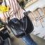 [ พร้อมส่ง HI-End ] - กระเป๋าแฟชั่นเท่ๆ ถือ/สะพาย สีดำคลาสสิค ขนาดกลางเหมาะสำหรับพกพา ดีไซน์สวยเก๋ ดูดี งานหนังคุณภาพ thumbnail 8