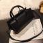 [ พร้อมส่ง ] - กระเป๋าถือ/สะพาย สีดำคลาสสิค ขนาดกระทัดรัด ดีไซน์สวยเรียบหรู ดูดี งานหนังมันเงาสวย คุณภาพดีค่ะ thumbnail 6