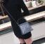 [ พร้อมส่ง ] - กระเป๋าถือ/สะพาย สีเงินวิ้งค์ๆ ขนาดใบเล็กๆ กระทัดรัด ดีไซน์สวยเก๋หัวบิดเปิดกระเป๋า ดูดี งานสวยน่ารักค่ะ thumbnail 9