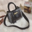 [ พร้อมส่ง ] - กระเป๋าถือ/สะพาย สีดำคลาสสิค ลายสก็อต ขนาดกลางๆ ดีไซน์สวยเก๋เท่ๆ ดูดี ไม่ซ้ำใคร มีกระเป๋าลูก 1 ใบ thumbnail 14
