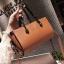[ พร้อมส่ง ] - กระเป๋าถือ/สะพาย สีน้ำตาล ขนาดกระทัดรัด ดีไซน์สวยเรียบหรู ดูดี งานหนังมันเงาสวย คุณภาพดีค่ะ thumbnail 15