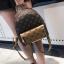 [ พร้อมส่ง Hi-End ] - กระเป๋าเป้แฟชั่น ใบกลางๆ สีน้ำตาล ลาย LV ดีไซน์สวยเรียบหรู ดูดีสไตล์แบรนด์ งานหนังคุณภาพดีแบบหนาไม่บาง thumbnail 8