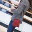 [ พร้อมส่ง ] - กระเป๋าถือ/สะพาย สีแดง วิ้งค์ๆ ขนาดใบเล็กๆ กระทัดรัด ดีไซน์สวยเก๋หัวบิดเปิดกระเป๋า ดูดี งานสวยน่ารักค่ะ thumbnail 8