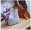 [ พร้อมส่ง ] - กระเป๋าสะพายไหล่แฟชั่น สีน้ำตาลเรโท ทรงถัง + กระเป๋าใบเล็ก 1 ใบ ดีไซน์สวยเรียบหรู ดูดี งานหนังคุณภาพดี พร้อมสายสะพายสุดเก๋ thumbnail 3