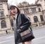 [ พร้อมส่ง ] - กระเป๋าแฟชั่น คลัทช์/สะพาย สีดำรุ้งวิ้งค์ๆ ทรงกล่องสี่เหลี่ยม ขนาดกระทัดรัด ดีไซน์สวยเรียบหรู ดูดี งานสวยค่ะ thumbnail 16