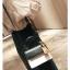 [ พร้อมส่ง ] - กระเป๋าถือ/สะพาย สีทูโทนขาวดำ ทรงกล่องขนาดกระทัดรัด ห้อยป้ายเก๋ๆ ดีไซน์สวยเรียบหรู ดูดี งานหนังคุณภาพดี ช่องใส่ของ 3 ช่อง thumbnail 10