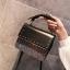 [ พร้อมส่ง ] - กระเป๋าถือ/สะพาย สีดำคลาสสิค วิ้งค์ๆโทนรุ้ง ขนาดกระทัดรัด ดีไซน์สวยเรียบหรู ดูดี งานหนังสวยค่ะ thumbnail 4