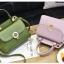 [ พร้อมส่ง ] - กระเป๋าแฟชั่น ถือ/สะพาย สีชาเขียว ขนาดกระทัดรัด ปักหมุดเท่ๆ ทรงตั้งได้ ดีไซน์สวยเก๋ ดูดี งานหนังสวยมากค่ะ thumbnail 2