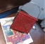 [ พร้อมส่ง ] - กระเป๋าถือ/สะพาย สีแดง วิ้งค์ๆ ขนาดใบเล็กๆ กระทัดรัด ดีไซน์สวยเก๋หัวบิดเปิดกระเป๋า ดูดี งานสวยน่ารักค่ะ thumbnail 4