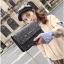 [ พร้อมส่ง ] - กระเป๋าแฟชั่น คลัทช์/สะพาย สีดำเงินวิ้งค์ๆ ทรงกล่องสี่เหลี่ยม ขนาดกระทัดรัด ดีไซน์สวยเรียบหรู ดูดี งานสวยค่ะ thumbnail 22