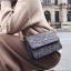 [ พร้อมส่ง ] - กระเป๋าแฟชั่น คลัทช์/สะพาย สีดำเงินวิ้งค์ๆ ทรงกล่องสี่เหลี่ยม ขนาดกระทัดรัด ดีไซน์สวยเรียบหรู ดูดี งานสวยค่ะ thumbnail 1