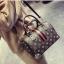 [ พร้อมส่ง Hi-End ] - กระเป๋าถือ/สะพาย ทรงหมอนใบกลางๆ สีดำ ลาย LV ดีไซน์สวยเรียบหรู ดูดีสไตล์แบรนด์ งานหนังคุณภาพดีแบบหนาไม่บาง thumbnail 1
