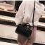 [ พร้อมส่ง ] - กระเป๋าถือ/สะพาย สีเขียวเข้ม ขนาดกระทัดรัด ดีไซน์สวยเรียบหรู ดูดี งานหนังมันเงาสวย คุณภาพดีค่ะ thumbnail 12