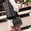[ พร้อมส่ง ] - กระเป๋าถือ/สะพาย สีดำคลาสสิค วิ้งค์ๆโทนรุ้ง ขนาดกระทัดรัด ดีไซน์สวยเรียบหรู ดูดี งานหนังสวยค่ะ thumbnail 18