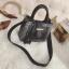 [ พร้อมส่ง ] - กระเป๋าถือ/สะพาย สีดำคลาสสิค ลายสก็อต ขนาดกลางๆ ดีไซน์สวยเก๋เท่ๆ ดูดี ไม่ซ้ำใคร มีกระเป๋าลูก 1 ใบ thumbnail 13