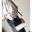 [ พร้อมส่ง ] - กระเป๋าถือ/สะพาย สีทูโทนขาวดำ ทรงกล่องขนาดกระทัดรัด ห้อยป้ายเก๋ๆ ดีไซน์สวยเรียบหรู ดูดี งานหนังคุณภาพดี ช่องใส่ของ 3 ช่อง thumbnail 16