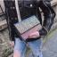 [ พร้อมส่ง ] - กระเป๋าแฟชั่น คลัทช์/สะพาย สีรุ้งวิ้งค์ๆ ทรงกล่องสี่เหลี่ยม ขนาดกระทัดรัด ดีไซน์สวยเรียบหรู ดูดี งานสวยค่ะ thumbnail 9