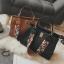 [ พร้อมส่ง Hi-End ] - กระเป๋าถือ/สะพาย สีดำคลาสสิค ใบใหญ่ทรงเก๋ๆ ดีไซน์สวยเรียบหรู ดูดี งานหนังคุณภาพดี พร้อมสายสะพายสุดเก๋ 2 เส้น thumbnail 3