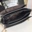 [ พร้อมส่ง ] - กระเป๋าแฟชั่น คลัทช์/สะพาย สีรุ้งวิ้งค์ๆ ทรงกล่องสี่เหลี่ยม ซิลิโคนอย่างหนา ขนาดกระทัดรัด ดีไซน์สวยเรียบหรู ดูดี งานสวยค่ะ thumbnail 18