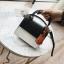 [ พร้อมส่ง ] - กระเป๋าถือ/สะพาย สีทูโทนขาวดำ ทรงกล่องขนาดกระทัดรัด ห้อยป้ายเก๋ๆ ดีไซน์สวยเรียบหรู ดูดี งานหนังคุณภาพดี ช่องใส่ของ 3 ช่อง thumbnail 5