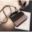 [ พร้อมส่ง ] - กระเป๋าถือ/สะพาย สีดำคลาสสิค วิ้งค์ๆโทนรุ้ง ขนาดกระทัดรัด ดีไซน์สวยเรียบหรู ดูดี งานหนังสวยค่ะ thumbnail 10