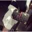 [ พร้อมส่ง Hi-End ] - กระเป๋าถือ/สะพาย ทรงหมอนใบกลางๆ สีดำ ลาย LV ดีไซน์สวยเรียบหรู ดูดีสไตล์แบรนด์ งานหนังคุณภาพดีแบบหนาไม่บาง thumbnail 8
