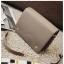 [ พร้อมส่ง ] - กระเป๋าถือ/สะพาย สีเทาอมน้ำตาล ขนาดกระทัดรัด ทรงสี่เหลี่ยม ดีไซน์สวยเรียบหรู ดูดี งานหนังคุณภาพดี ช่องใส่ของเยอะมาก thumbnail 12